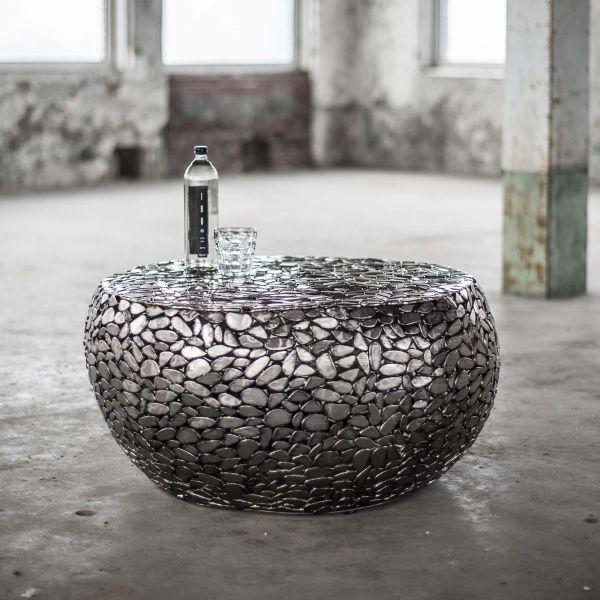 Salontafel uitgevoerd in kiezelstenen van staal - Antiek