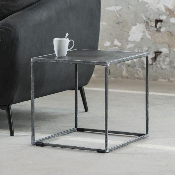 Bijzettafel 40x40cm met zand gegoten metalen blad en vintage stalen frame - Zwart